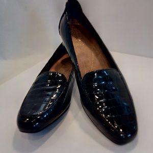 Clarks Black Patent Croc Pattern Slip on Loafer Nu